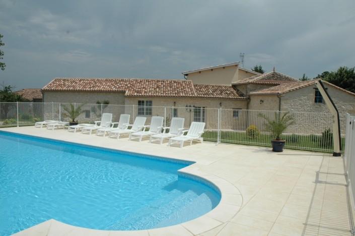 La bastide piscine et Bastide